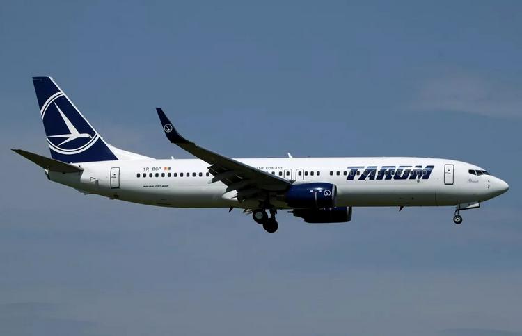 самолет Tarom Airlines